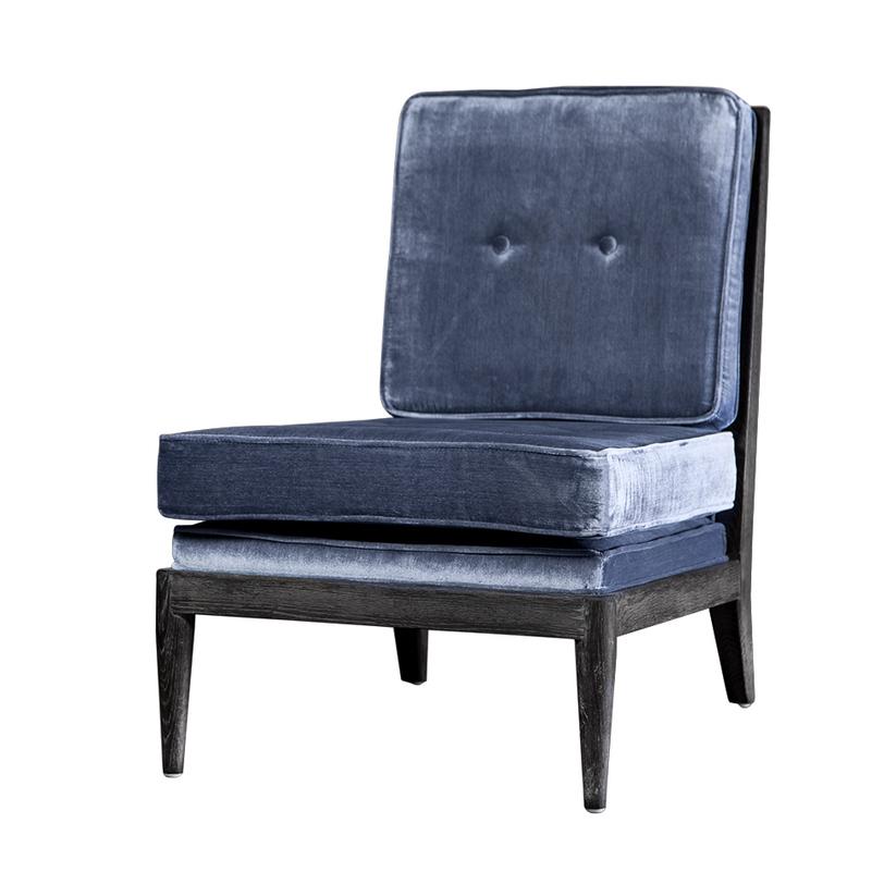 Кресло ЛоранКресла с высокой спинкой<br>&amp;lt;div&amp;gt;&amp;lt;div&amp;gt;Насыщенно-синее кресло для современного интерьера, в котором нужна яркая &amp;quot;точка&amp;quot;. Мебельный каркас сработан из натуральной древесины, покрытой черной матовой краской. Сиденье и высокая спинка изготовлены в форме квадратных подушек с чехлами из искусственно состаренного велюра.&amp;lt;/div&amp;gt;&amp;lt;/div&amp;gt;&amp;lt;div&amp;gt;&amp;lt;br&amp;gt;&amp;lt;/div&amp;gt;<br><br>Material: Велюр<br>Length см: None<br>Width см: 60<br>Depth см: 77<br>Height см: 80<br>Diameter см: None