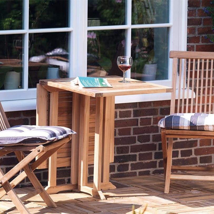 Стол раскладной RonnieСтолы для улицы<br>Раскладной стол из массива тика порадует вашу террасу или загородный участок естественной красотой и прекрасно впишется в интерьер в стиле кантри. Компактная форма в собранном виде сэкономит пространство и позволит с легкостью его трансформировать.<br><br>Material: Тик<br>Length см: None<br>Width см: 60.0<br>Depth см: 120.0<br>Height см: 75.0<br>Diameter см: None