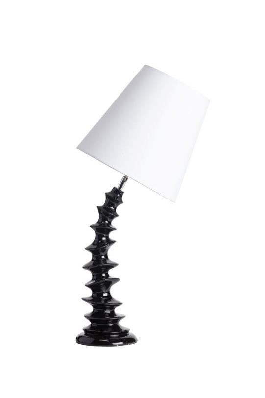Настольная лампа OstersundДекоративные лампы<br>Необычная настольная лампа Ostersund с креативным и неповторимым дизайном непременно придется по вкусу любителям уникальных вещей и предметов декора. Удачное сочетание белого абажура простой формы и черной изогнутой ножки дают в совокупности роскошный аксессуар, который украсит собой любую комнату вашего дома, будь то просторная гостиная, уютная спальня, кабинет или детская.<br>Материал: тканевый абажур, основание полимерная смола<br>Цвет: черный, белый<br>Мощность: 40 W<br>Цоколь: Е27<br><br>Material: Пластик<br>Length см: 37<br>Width см: 30<br>Height см: 72
