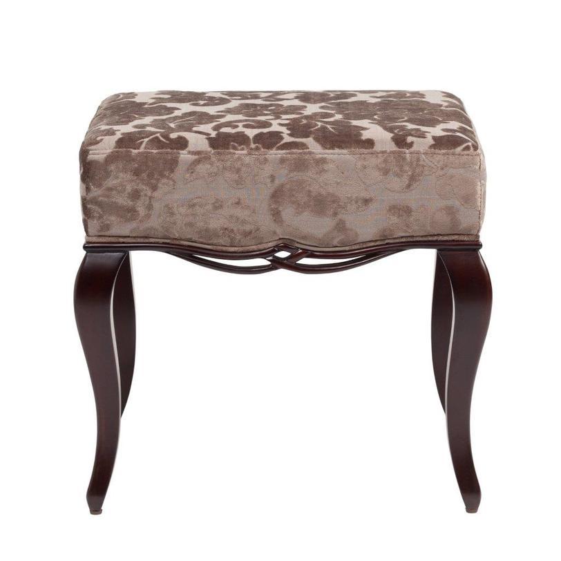 Оттоманка WalesБанкетки и оттоманки<br>Очаровательный предмет мебели — легкий пуф на стройных изогнутых ножках. Основание украшено сквозной резьбой. Обивка выполнена из переливающегося набивного бархата оттенков кофе и кофе с молоком.<br><br>Material: Текстиль<br>Length см: 48.5<br>Width см: 43.5<br>Depth см: None<br>Height см: 45<br>Diameter см: None