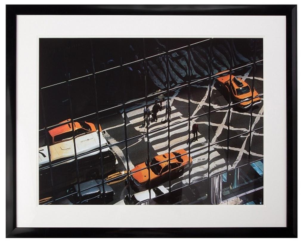 Постер ManhattanПостеры<br>Дождь, такси, стеклянные, уходящие ввысь здания. Все предметы отражаются друг в друге, мир зыбок и не очевиден, только точно схваченное фотографом ощущение большого города.<br><br>Material: Бумага<br>Width см: 102<br>Depth см: 4<br>Height см: 82