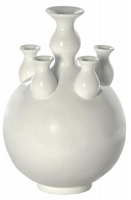 Ваза Bud VaseВазы<br>Оригинальное видение декоративной вазы с пятью горлышками. Необычный аксессуар привлечет внимание и наполнит дом ароматом живых цветов.<br><br>Material: Пластик<br>Length см: None<br>Width см: None<br>Depth см: None<br>Height см: 50<br>Diameter см: 36