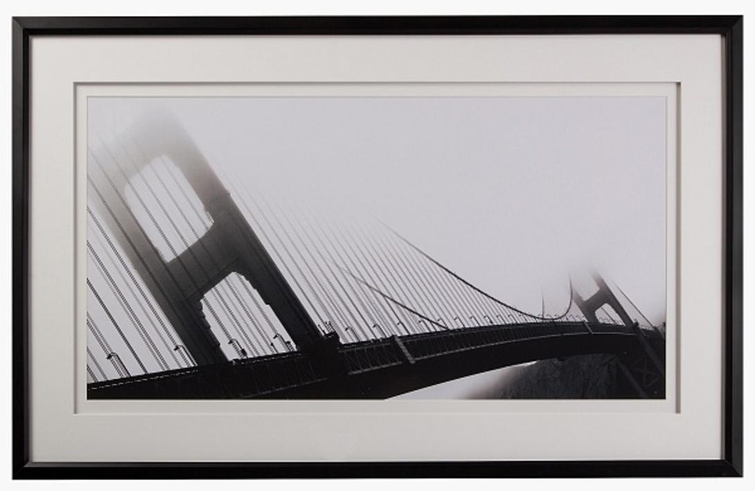 Постер Golden Gate BridgeПостеры<br>Законченный образ интерьеру придают аксессуары. Используйте постер с изображением подвесного моста в густом тумане в вашей гостиной или прихожей зоне.<br><br>Material: Бумага<br>Width см: 124<br>Depth см: 4<br>Height см: 74