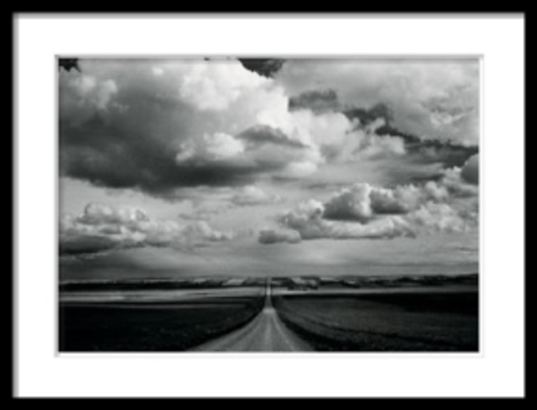 Постер Horizon RoadПостеры<br>Черно-белая фотография -- дорога уходящая за горизонт, клубящиеся над ней облака. Контрастный снимок, напоминающий о Пути.<br><br>Material: Бумага<br>Width см: 90<br>Depth см: 2<br>Height см: 69
