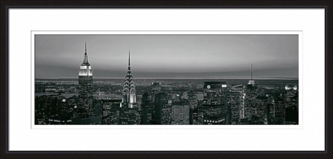 Постер Manhattan at Sunset Постеры<br>Панорама ночного Манхэттена с высоты птичьего полета. Широкое паспарту и лаконичная черная рама.<br><br>Material: Бумага<br>Width см: 118<br>Depth см: 4<br>Height см: 56