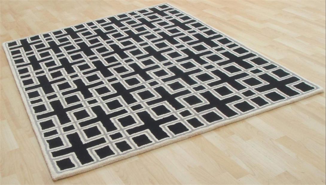 Ковер GraphicsПрямоугольные ковры<br>&amp;lt;div&amp;gt;Этот винтажный ковер в стиле 70-х украшен правильным геометрическим узором в бело-бежевых тонах. Полотно изготовлено из натуральной шерсти вручную в технике тафтинга – сложной, но эффективной. Сотканное таким образом изделие настолько прочно, что легко прослужит до 70-х годов… но уже XXI века.&amp;lt;/div&amp;gt;<br><br>Material: Шерсть<br>Length см: 230.0<br>Width см: 159.0<br>Depth см: None<br>Height см: None<br>Diameter см: None