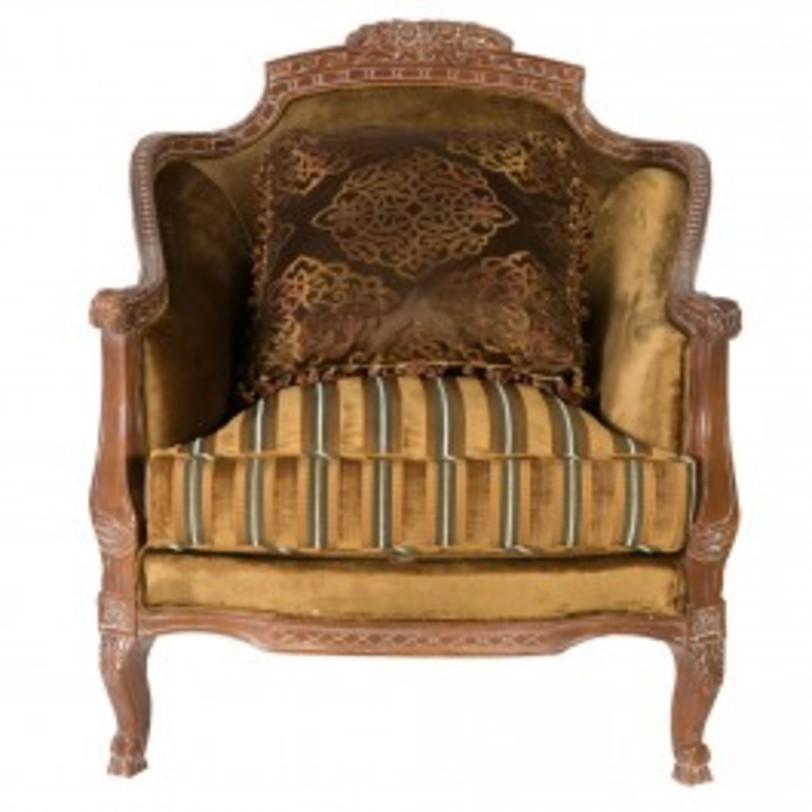 Кресло РишельеИнтерьерные кресла<br>Великолепное кресло из красного дерева в стиле барокко щедро декорировано: гнутые ножки кабриоль, множество резных элементов, в частности, подголовник и подлокотники, пышное сиденье, великолепный текстиль желто-золотых, бронзовых, коричневых оттенков. Кресло впишется как в классический, так и в современный эклектичный интерьер, и придется по вкусу самым взыскательным клиентам, ведь его название - Ришелье - говорит само за себя.<br><br>Цвет: желто-золотой, бронзовый, коричневый<br>Материал: красное дерево, текстиль<br><br>Material: Красное дерево<br>Length см: 100<br>Width см: 100<br>Height см: 110