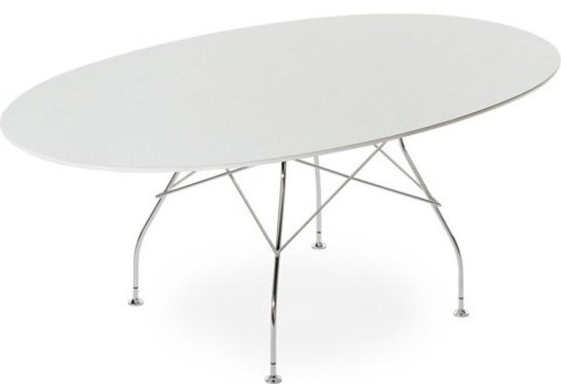 Стол GlossyОбеденные столы<br>Обеденный стол Glossy от компании Kartell - стильный и изящный, как и принято у итальянцев. Белая столешница овальной формы изготовлена из пластика, основание стола и ножки из хромированного металла. Такой стол займет свое место в современном интерьере.<br><br>Стол обеденный складной.<br><br>Material: Пластик<br>Length см: None<br>Width см: 194<br>Depth см: 120<br>Height см: 72<br>Diameter см: None