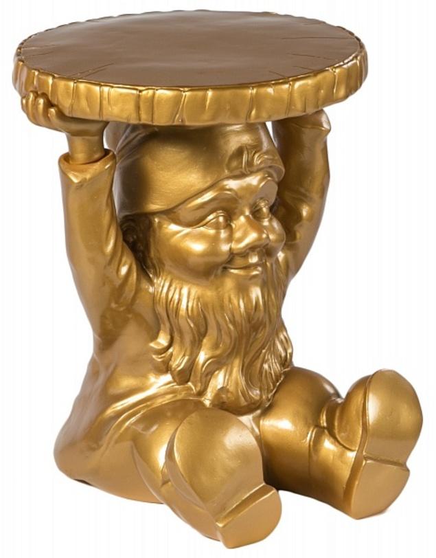 Табурет GnomesТабуреты<br>Забавный табурет из итальянского пластика Kartell в форме гнома, держащего сиденье. Золотистый цвет каркаса привлечет внимание к своей нескромной персоне и подчеркнет индивидуальность пространства.<br><br>Цвет: золото<br><br>Material: Пластик<br>Length см: None<br>Width см: 40<br>Depth см: 40<br>Height см: 44<br>Diameter см: None
