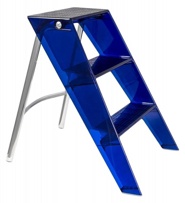 Стремянка UpperЛестницы<br>В дизайнерском интерьере каждая деталь должна отражать стиль и чувство вкуса, если у вас высокие потолки и некоторые места труднодоступны, то эта модель стремянки с модным синим пластиком от Kartell для вас.<br><br>Размеры:<br>Ширина: 58/17<br>Высота: 60/78<br><br>Material: Пластик<br>Length см: None<br>Width см: 46<br>Depth см: 58<br>Height см: 60