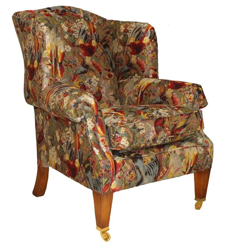 Кресло SomersetКресла с высокой спинкой<br>Кресло Somerset от британской компании Duresta - яркий представитель британского мебельного дизайна - ведь здесь все в лучших традициях: классический силуэт, широкое сиденье, удобная спинка с боковыми подголовниками, скругленные подлокотники, небольшие колесики на передних ножках и, конечно же, яркая оригинальная обивка - все вместе создают великолепный предмет, который впишется в интерьер гостиной или спальни.<br><br>Материал: дерево, ткань, латунь<br><br>Material: Текстиль<br>Width см: 91<br>Depth см: 92<br>Height см: 113