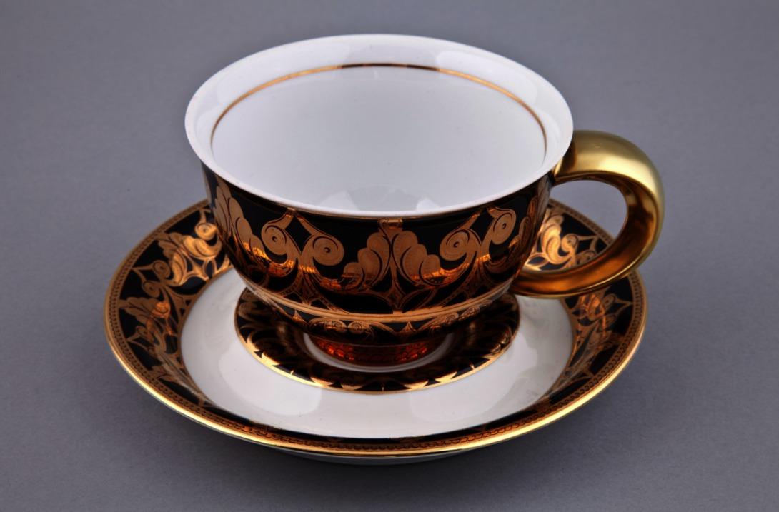 Чайная пара KeltЧайные пары и чашки<br>Чайная пара упакована в черную кожаную коробку с бархатом внутри.<br><br>Material: Фарфор<br>Height см: 8