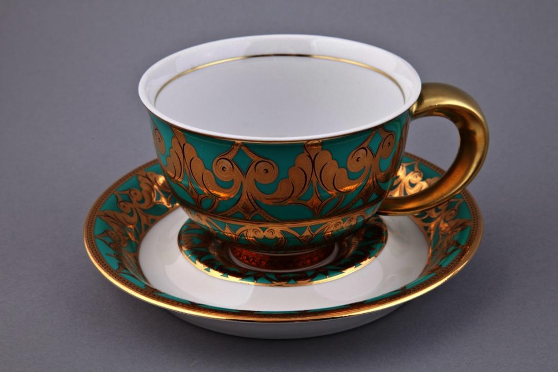 Чайная пара KeltЧайные пары, чашки и кружки<br>Упаковка: черная картонная коробка с логотипом.<br><br>Material: Фарфор<br>Height см: 10