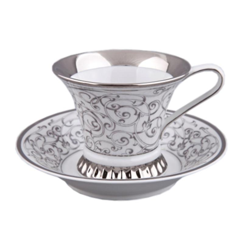Чайная пара ВизантияЧайные пары, чашки и кружки<br>Чайная пара упакована в черную кожаную коробку с бархатом внутри.<br><br>Material: Фарфор<br>Высота см: 8