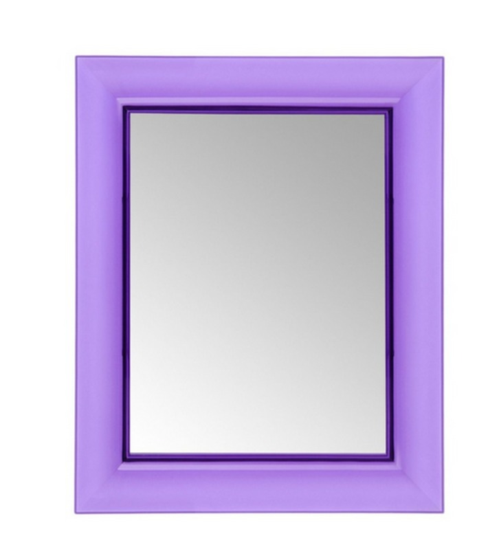 Зеркало Francois GhostНастенные зеркала<br>Небольшое настенное зеркало в современном минималистичном стиле. Яркая фиолетовая рама выполнена из высококачественного пластика итальянскими мастерами компании Kartell.<br><br>Отделка: пластик.<br><br>Material: Пластик<br>Ширина см: 65<br>Высота см: 79<br>Глубина см: 6