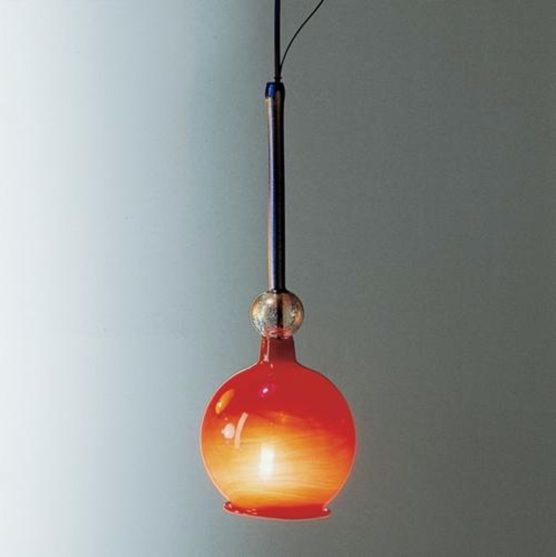 Светильник FeniceПодвесные светильники<br>Рассеиватель из выдувного стекла &amp;quot;ручной работы&amp;quot;, цвет оранжевый. Регулируемая высота 65-150 см.<br><br>Мощность: 1 B15D x 150 Вт<br><br>Material: Стекло<br>Height см: 65.0<br>Diameter см: 20.0