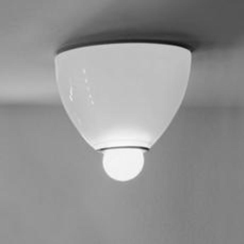 Светильник KaliasПотолочные светильники<br>Может использоваться как настенный. Основание из окрашенного металла, рассеиватель из цветного шлифованного стекла.<br><br>Material: Стекло<br>Height см: 9<br>Diameter см: 11
