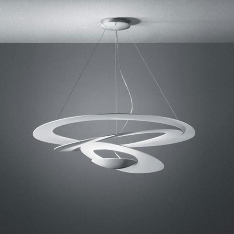Подвесной светильник HaloПодвесные светильники<br>Регулируемая высота 70-200см.<br>Цвет: белый.<br>Мощность: 1 R7S x 400 Вт<br><br>Material: Алюминий<br>Ширина см: 94<br>Высота см: 70