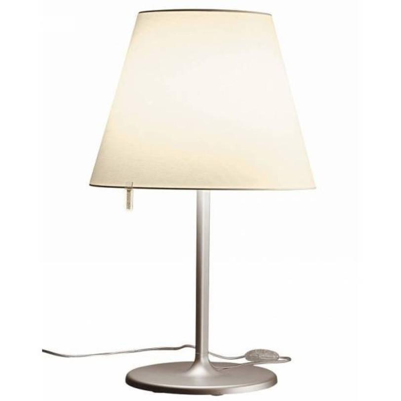 Настольная лампа Melampo tavolo - Bronze NaturalДекоративные лампы<br>Основа - окрашенный сплав алюминия; абажур - атласная шелковая ткань на пластиковой раме. Абажур фиксируется в 3-х разных положениях.<br><br>Цвет: натуральная бронза<br>Мощность: 2 Е27 x 52 Вт<br><br>Material: Текстиль<br>Height см: 58<br>Diameter см: 24