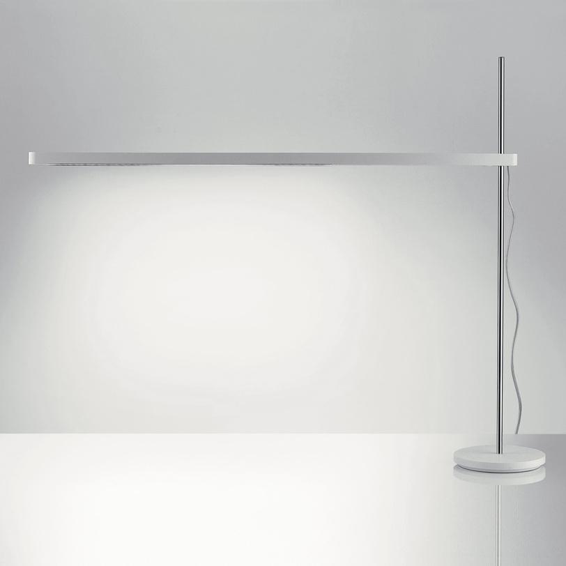 Настольная лампа Talak tavolo - FluoНастольные лампы<br>Угол поворота 360° по горизонтали. Основание комплектуется отдельно.<br><br>Мощность: 1 x 13 Вт, LED<br><br>Material: Пластик<br>Width см: 85.3<br>Depth см: 2.7<br>Height см: 70