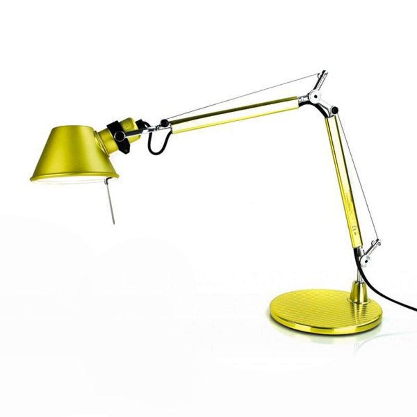 Настольная лампа Tolomeo MicroНастольные лампы<br>Основание - полированный алюминий. Модель имеет различные цветовые вариации.<br><br>Цвет: желтый металлик.<br>Мощность: 1 Е14 x 60 Вт<br><br>Material: Алюминий<br>Width см: 69<br>Height см: 73<br>Diameter см: 17