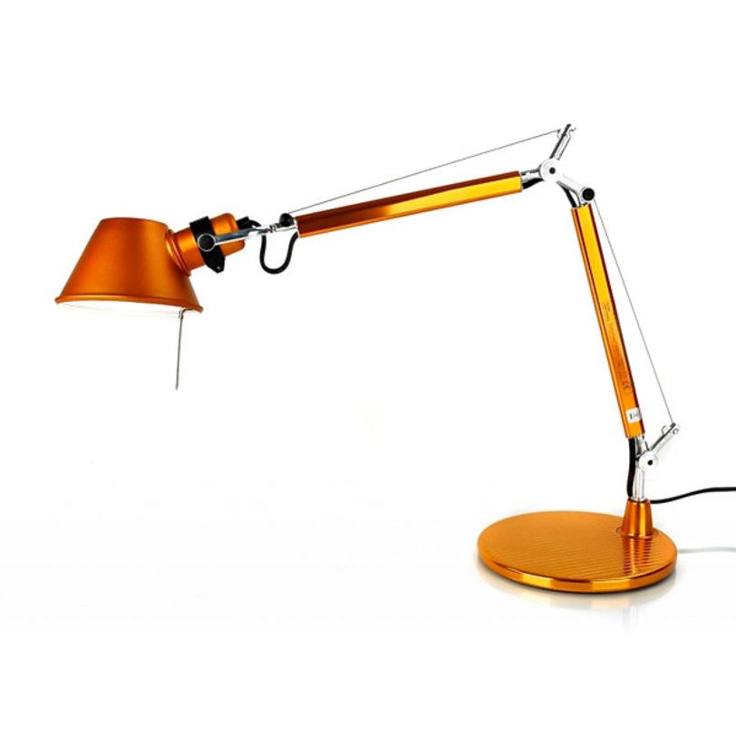 Настольная лампа Tolomeo MicroНастольные лампы<br>Цвет: оранжевый металлик. Основание - полированный алюминий. Модель имеет различные цветовые вариации.<br><br>Мощность: 1 Е14 x 60 Вт<br><br>Material: Алюминий<br>Ширина см: 69<br>Высота см: 71