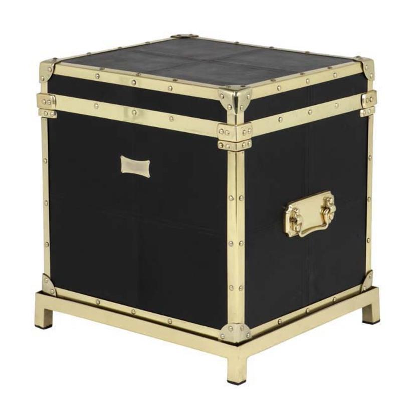 Тумба Flightcase Black LeatherМобильные тумбы<br>Черная кожа и элементы из металла, цвет металла - латунь. Может использоваться как тумба, сундук, столик.<br><br>Material: Кожа<br>Ширина см: 57.0<br>Высота см: 61.0<br>Глубина см: 50.0