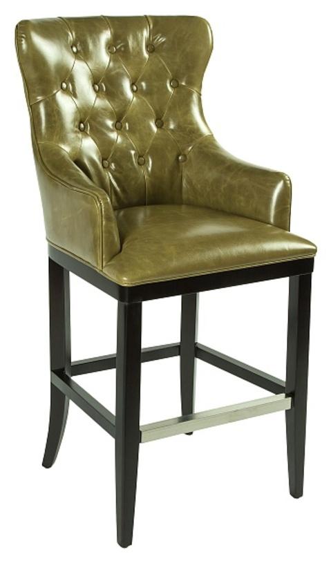 Кресло барное Diamond bar chairБарные стулья<br>Высокое барное кресло из натуральной кожи темно-оливкового цвета. Спинка кресла декорирована каретной стежкой. Такое кресло подойдет для классических и современных интерьеров.<br><br>Материал: кожа (T-100 leather)<br><br>Material: Кожа<br>Length см: None<br>Width см: 61<br>Depth см: 68<br>Height см: 123