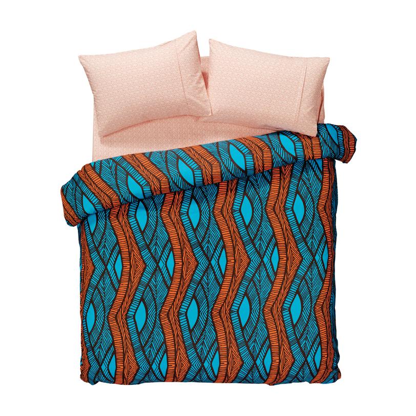 Комплект постельного белья Ethnic OrangeОдноспальные комплекты постельного белья<br>Размеры товара: MIN Пододеяльник: 160*220 см. (1 шт.) Простыня: 240*260 см. (1 шт.) Наволочки: 50*70 см. (1 шт.) Умиротворяющий насыщенный бирюзовый цвет идеально подходит для расслабления и релаксации. Именно поэтому он преобладает в комплекте «Country azure», созданном, чтобы дарить вам лишь сладостные сновидения. А приятная для кожи шелковистость хлопка обеспечит дополнительное удовольствие от отдыха.<br><br>Material: Хлопок