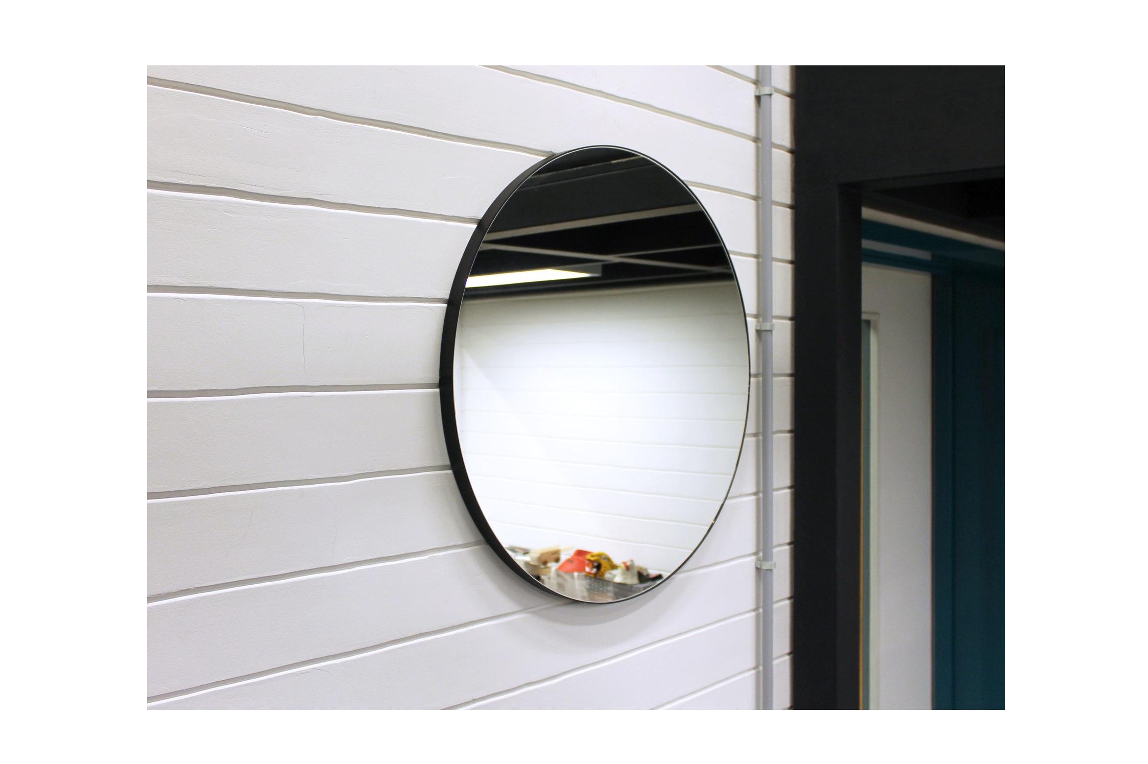 Круглое зеркало (banska) черный 70x70x2.4 см.