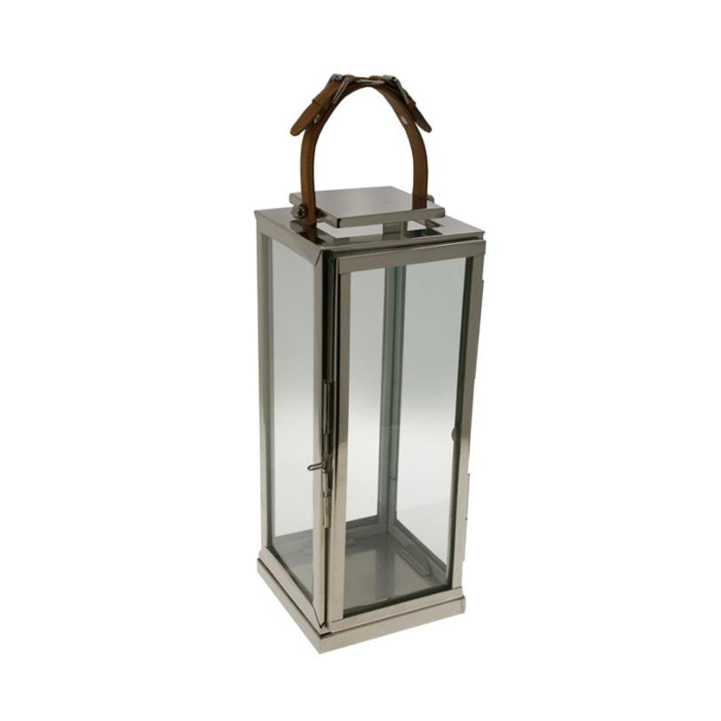 Подсвечник BarnsdaleПодсвечники<br>Подсвечник-фонарь из никелированного металла и термостойкого стекла. Ручка из коричневой кожи в виде ремня.<br><br>Material: Металл<br>Length см: 18.5<br>Width см: 17<br>Height см: 46