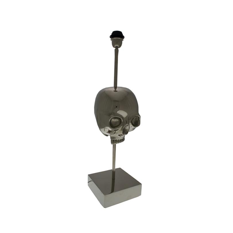 Основание для настольной лампы SkullДекоративные лампы<br>Настольная лампа из коллекции Skull на основании из никелированного металла. На основании фигура черепа.<br><br>Абажур продается отдельно.<br><br>Material: Металл<br>Length см: 17<br>Width см: 17<br>Height см: 65