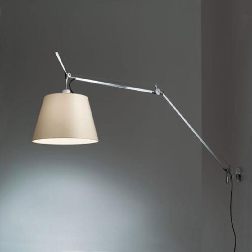 Корпус светильника TolomeoТоршеры<br>Корпус светильника из полированного алюминия с ручным выключателем on/off. Система пружинной балансировки позволяет регулировать высоту и длину, в зависимости от положения. Структура комплектуется отдельно открепления светильника и абажура.<br>Используется в разных моделях серии Tolomeo.<br>Дизайн Michele De Lucchi, Giancarlo Fassina.<br><br>Material: Алюминий<br>Length см: None<br>Width см: 91<br>Depth см: None<br>Height см: 113<br>Diameter см: None