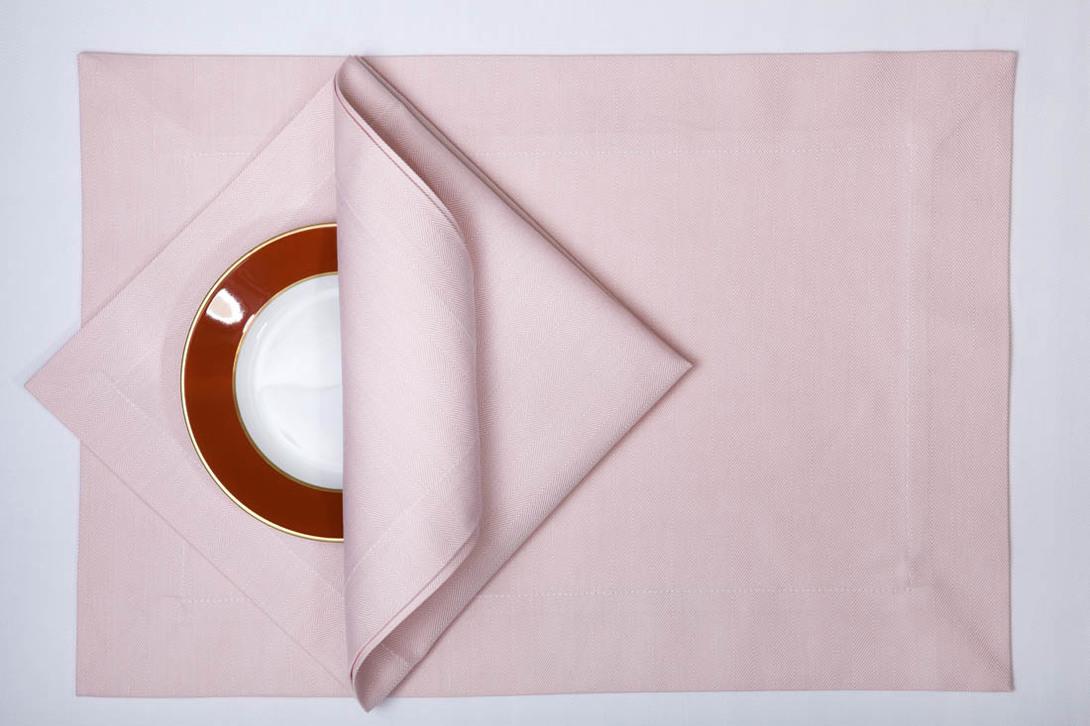 Набор салфеток RomaСкатерти<br>Комплект из 12 салфеток. Поставляется в подарочном мешке.<br><br>Размеры: 35х50 - 6 шт., 45х45 - 6 шт.<br>Материал: 100% египетский длинноволокнистый хлопок марки Egitto Giza 86 из долины Гиза (Giza)<br>Цвет: Rosa salmerino / Розовый лосось<br>Уход: Стирка 60 градусов; Глажка 200 градусов - гладить влажным<br><br>Material: Хлопок<br>Length см: None<br>Width см: None<br>Depth см: None<br>Height см: None<br>Diameter см: None