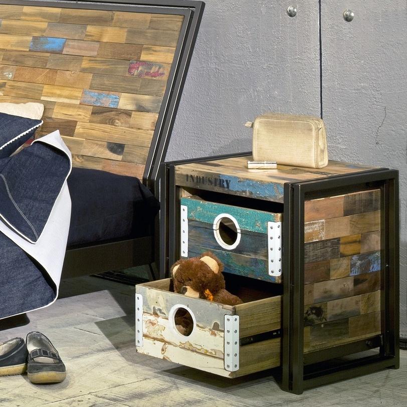 """Тумба прикроватная """"Sebb""""Прикроватные тумбы, комоды, столики<br>Компактная тумба состоит из двух металлических рамок, которые одновременно служат и ножками и каркасом боковых стенок. Образ завершают отверстия с люрексами, выполняющие роль ручек.<br><br>Материал: пестрое дерево.<br><br>Material: Тик<br>Length см: None<br>Width см: 40.0<br>Depth см: 40.0<br>Height см: 50.0<br>Diameter см: None"""