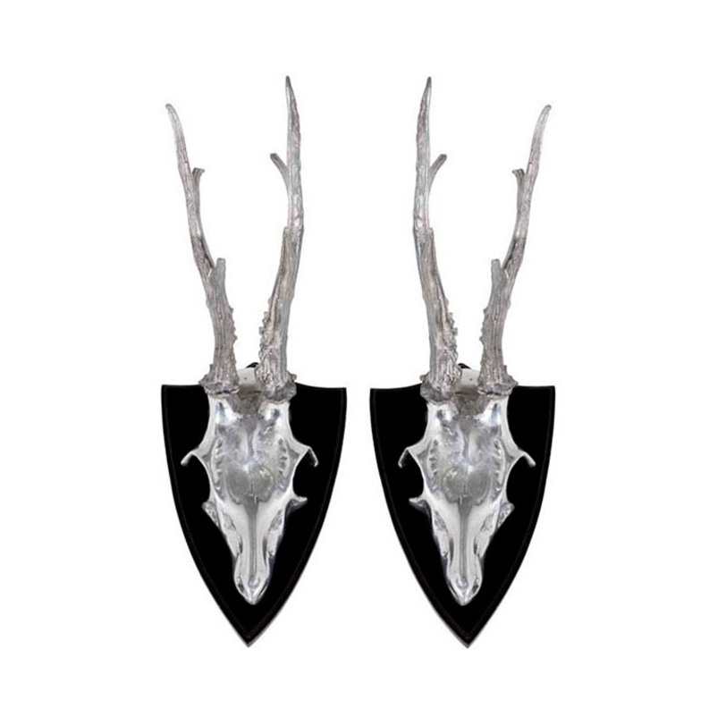Декор Skull DeerФигуры<br>Декоративные рога животного из металла цвета полированный алюминий. Деревянное основание. Комплект из 2 предметов.<br><br>Material: Металл<br>Ширина см: 12<br>Высота см: 29