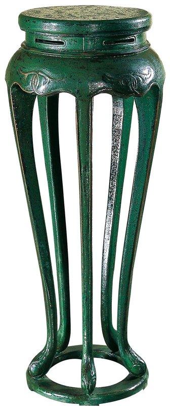 СтоликДругое<br>Такие подставки появились еще в 17 веке, и в дизайне их ничего не менялось много лет. Позже, во время правления династии Цин мастера стали их украшать кружевной резьбой, камнями и росписью. На такие подставки ставили цветы в горшках, небольшие деревья бонсай.<br><br>Материал: тополь, вязь, береза<br>Цвет: зеленый кракелюр<br><br>Material: Дерево<br>Высота см: 100