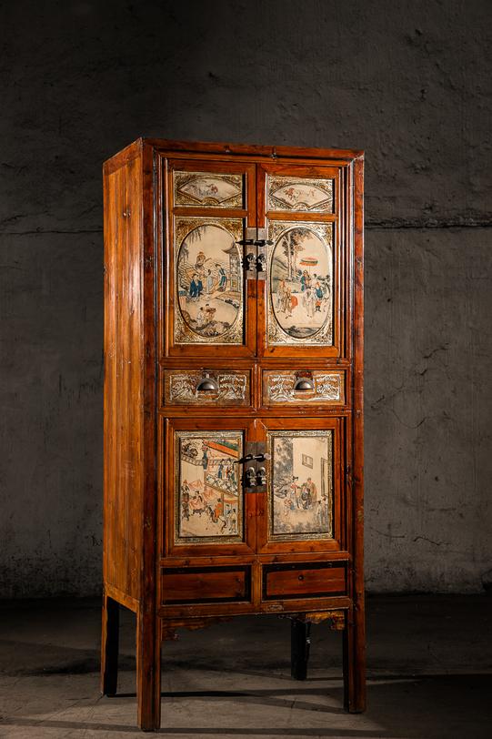 Шкаф трехярусный