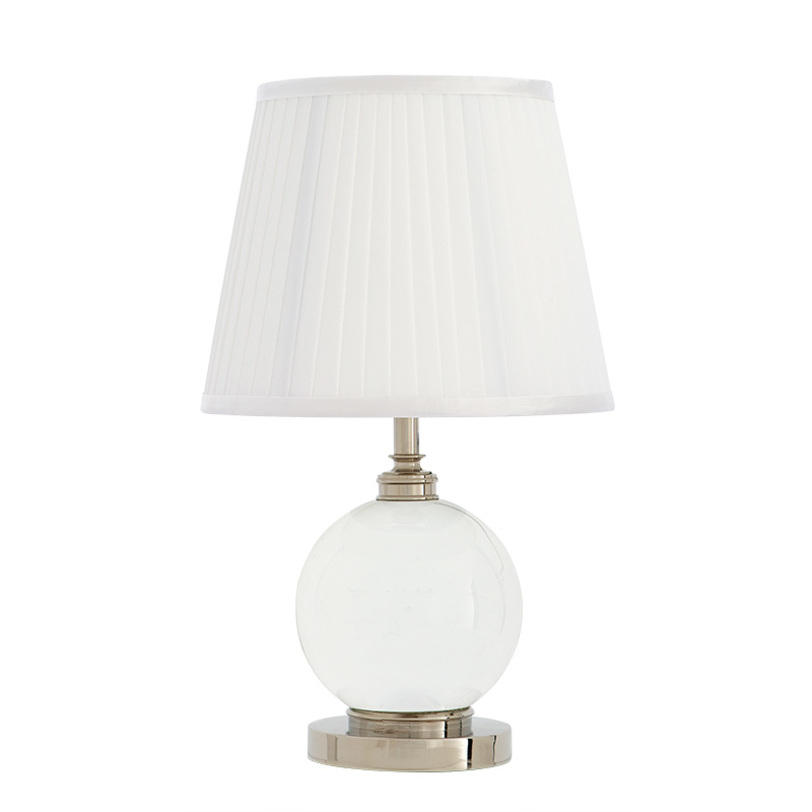 Настольная лампа OCTAVIAДекоративные лампы<br>Настольная лампа Octavia с текстильным плиссированным абажуром белого цвета. Прозрачный стеклянный шар на основании. Цвет металла: никель.<br>Количество лампочек: 1<br>Мощность: 1x 60 Вт<br>Тип лампы: НАКАЛИВАНИЯ, E27<br><br>Material: Текстиль<br>Length см: None<br>Width см: None<br>Depth см: None<br>Height см: 42<br>Diameter см: 25