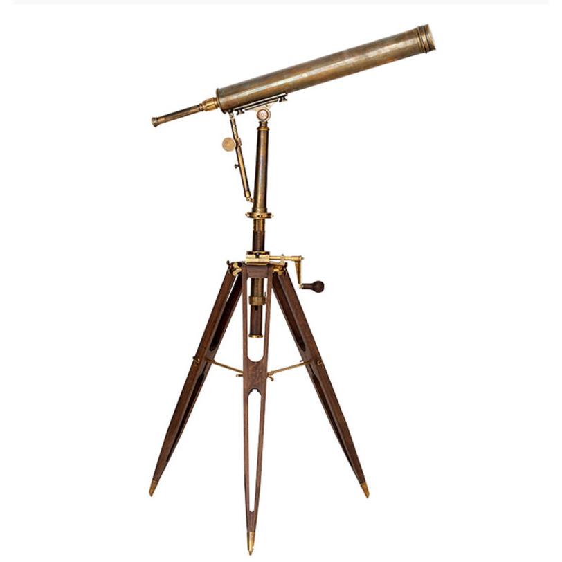 Аксессуар Telescope AndromedaДругое<br>Телескоп изготовлен из металла с отделкой в цвете состаренной меди. Основание (тренога) из дерева цвета орех.<br>Высота основания — 100 см. Высота изделия — 165 см.<br><br>Material: Металл<br>Length см: None<br>Width см: 120<br>Depth см: None<br>Height см: 165<br>Diameter см: None