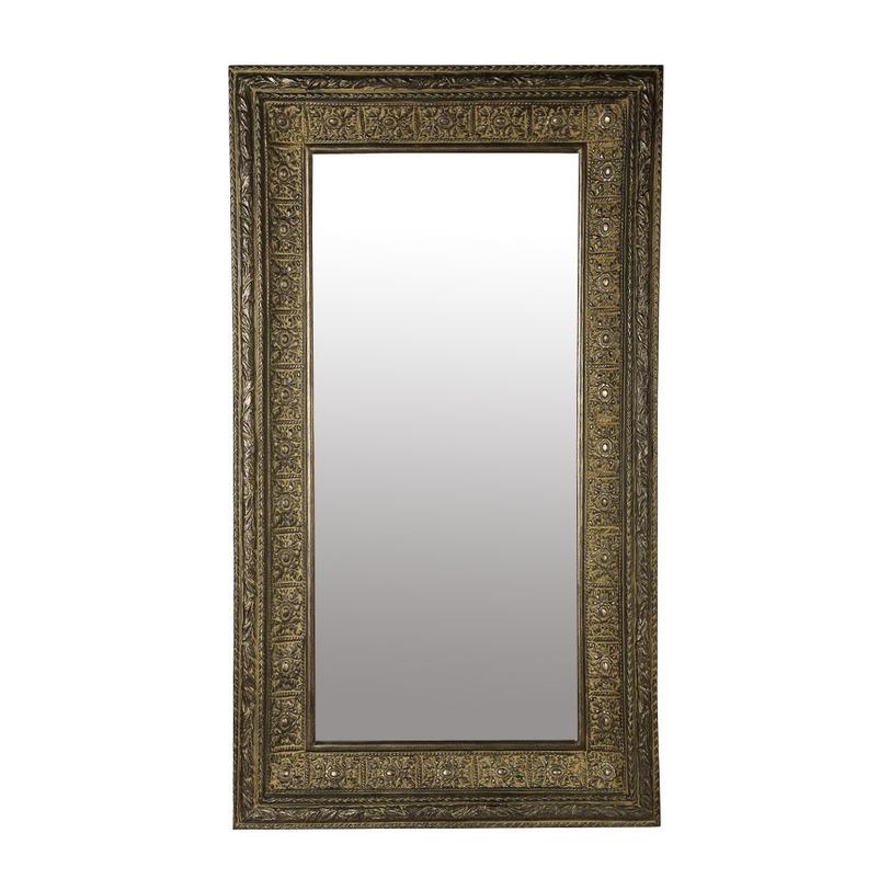 ЗеркалоНастенные зеркала<br>Настенное зеркало от Deco-Home – идеальный вариант для сдержанного английского интерьера. Прямоугольная форма демонстрирует традиционный консервативный силуэт. Массивный багет украшен симметричным элегантным орнаментом, подчеркивающим аристократичный облик модели. Благородный оттенок рамы позволяет сочетать предмет с классической мебелью, а выверенные пропорции придадут помещению строгости. &amp;amp;nbsp;&amp;amp;nbsp;<br><br>Material: Стекло<br>Length см: 177,8<br>Width см: 81,3<br>Depth см: None<br>Height см: None<br>Diameter см: None