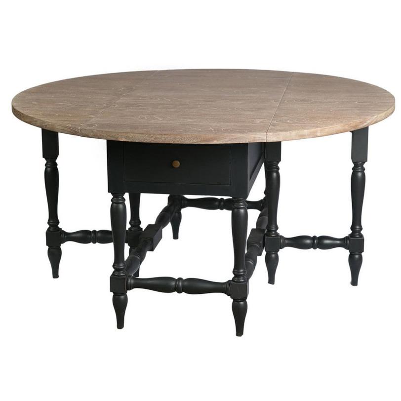 Стол обеденныйОбеденные столы<br>Утонченный дизайн круглого обеденного стола приведет ваших гостей в восторг. Две раскладывающиеся стороны делают этот изысканный стол очень практичным и удобным. Создайте в своем доме атмосферу комфорта и уюта.<br><br>Material: Красное дерево<br>Length см: None<br>Width см: None<br>Depth см: None<br>Height см: 78<br>Diameter см: 150