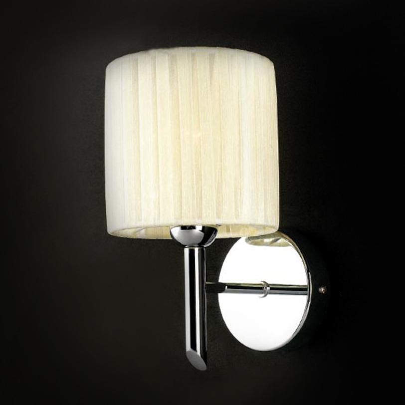 Настенный светильник AMETHYSTБра<br>Настенный светильник из коллекции AMETHYST на хромированной арматуре. Текстильный плиссированный абажур цвета слоновая кость скрывает лампу.<br>Количество лампочек: 1<br>Мощность: 1x 13 Вт<br>Тип лампы: НАКАЛИВАНИЯ, E14<br><br>Material: Текстиль<br>Length см: None<br>Width см: 18<br>Depth см: 18<br>Height см: 23<br>Diameter см: None