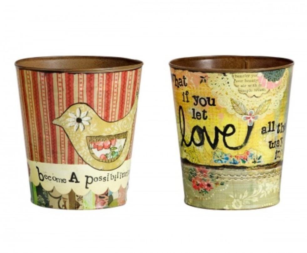 Набор горшков для цветов Enfance (2 шт)Кашпо<br>Набор декоративных горшков для цветов Enfance – это прекрасный подарок себе или близким людям, который украсит собой любое помещение, особенно, если оно выполнено в стиле «прованс». Яркие и разноцветные горшки привнесут в ваш дом тепло и уют деревенского домика юга Франции. В таком аксессуаре отлично будут смотреться как комнатные растения, так и всевозможные предметы декора.<br><br>Material: Олово<br>Length см: None<br>Width см: None<br>Depth см: None<br>Height см: 17,5<br>Diameter см: 16,5