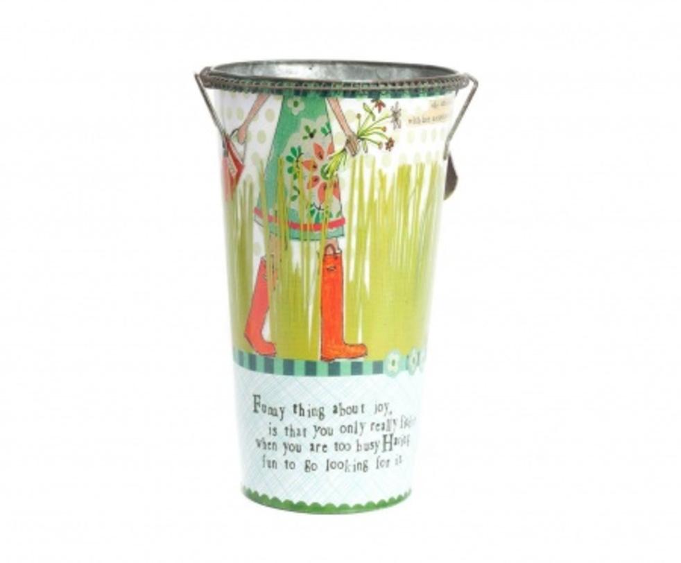Цветочный горшок СampaignКашпо и аксессуары для цветов<br>Яркий декоративный горшок Сampaign сделает ваш комнатный цветок еще красивее и изысканнее. Благодаря цветному рисунку, который нанесен на оловянное основание аксессуара, любая комната преобразится, станет еще уютнее и теплее. Удобные небольшие ручки помогут без труда перенести предмет декора в любое необходимое вам место. Горшок можно приобрести отдельно или в комплекте с изделием той же серии – горшком Tea Time.<br><br>Material: Олово<br>Length см: None<br>Width см: None<br>Depth см: None<br>Height см: 35,5<br>Diameter см: None