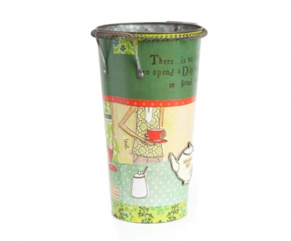 Цветочный горшок Tea TimeКашпо и аксессуары для цветов<br>Яркий декоративный горшок Tea Time сделает ваш комнатный цветок еще красивее и изысканнее. Благодаря цветному рисунку, который нанесен на оловянное основание аксессуара, любая комната преобразится, станет еще уютнее и теплее. Удобные небольшие ручки помогут без труда перенести предмет декора в любое необходимое вам место. Горшок можно приобрести отдельно или в комплекте с изделием той же серии – горшком Сampaign.<br><br>Material: Олово<br>Length см: None<br>Width см: None<br>Depth см: None<br>Height см: 28<br>Diameter см: None