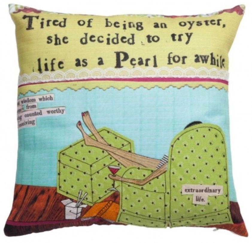 Подушка с принтом RiposoКвадратные подушки и наволочки<br>Гламурная подушечка, с принтом Riposo, достойно займет место на диване в качестве декора интерьера, поможет расслабиться и улучшить настроение.<br>Материал: Наволочка 100% хлопок, наполнитель 100% полиэстер<br><br>Material: Хлопок<br>Length см: 46<br>Width см: 46<br>Depth см: None<br>Height см: 6<br>Diameter см: None