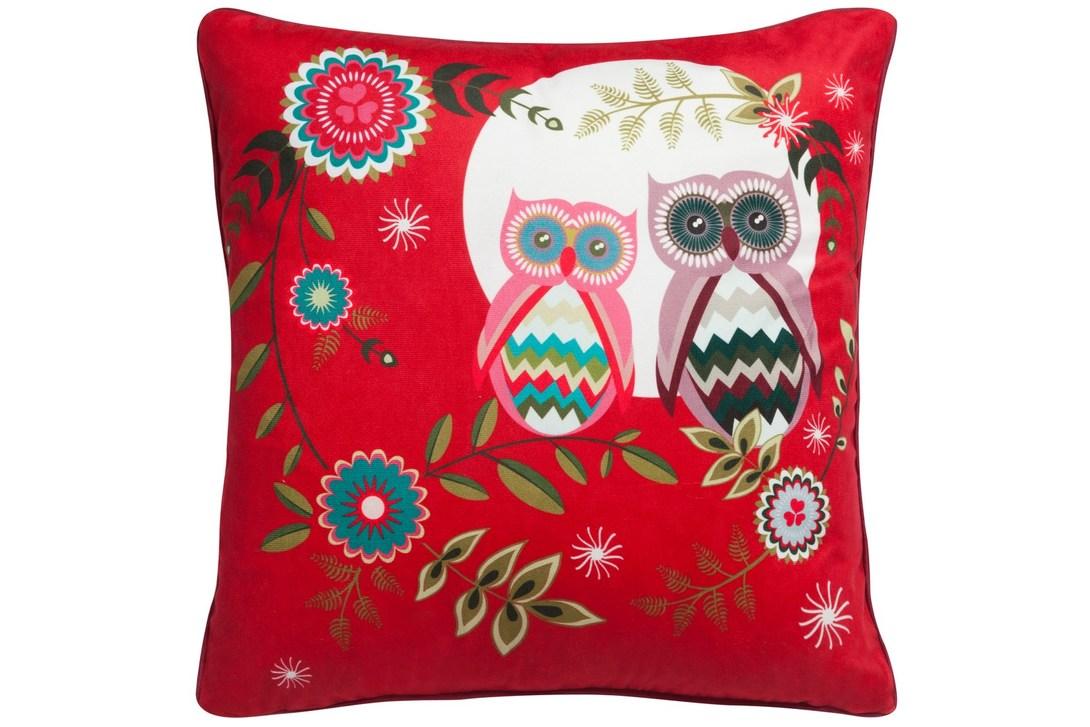 Подушка Owls PartyКвадратные подушки<br>Яркая, красочная и бесконечно симпатичная подушка Owl&amp;#39;s Party – это именно тот предмет декора, который поможет украсить ваш дом, привнести в него не только оригинальность, уют, но и хорошее настроение. Рисунок на подушке – очаровательные совы – выглядит живо и непринужденно. А если вы любите и не боитесь экспериментировать, то с таким ярко-красным аксессуаром можно создавать контрастные сочетания, например, между ним и диваном/стенами/шторами/мебелью.<br><br>Material: Текстиль<br>Length см: 45<br>Width см: 45<br>Depth см: None<br>Height см: 6<br>Diameter см: None