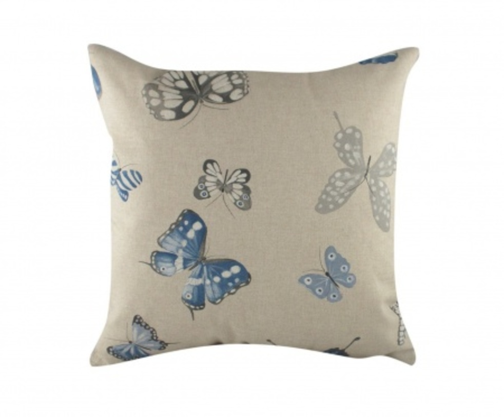 Подушка Blue ButterfliesКвадратные подушки и наволочки<br>Воздушные бабочки, парящие на этой декоративной подушке, внесут в вашу комнату ощущение пространства и легкости, а бледно-голубой цвет и перламутровые оттенки серого позволят аксессуару волшебным образом преобразить любой интерьер.<br><br>Material: Текстиль<br>Length см: 43<br>Width см: 43<br>Depth см: None<br>Height см: 10<br>Diameter см: None