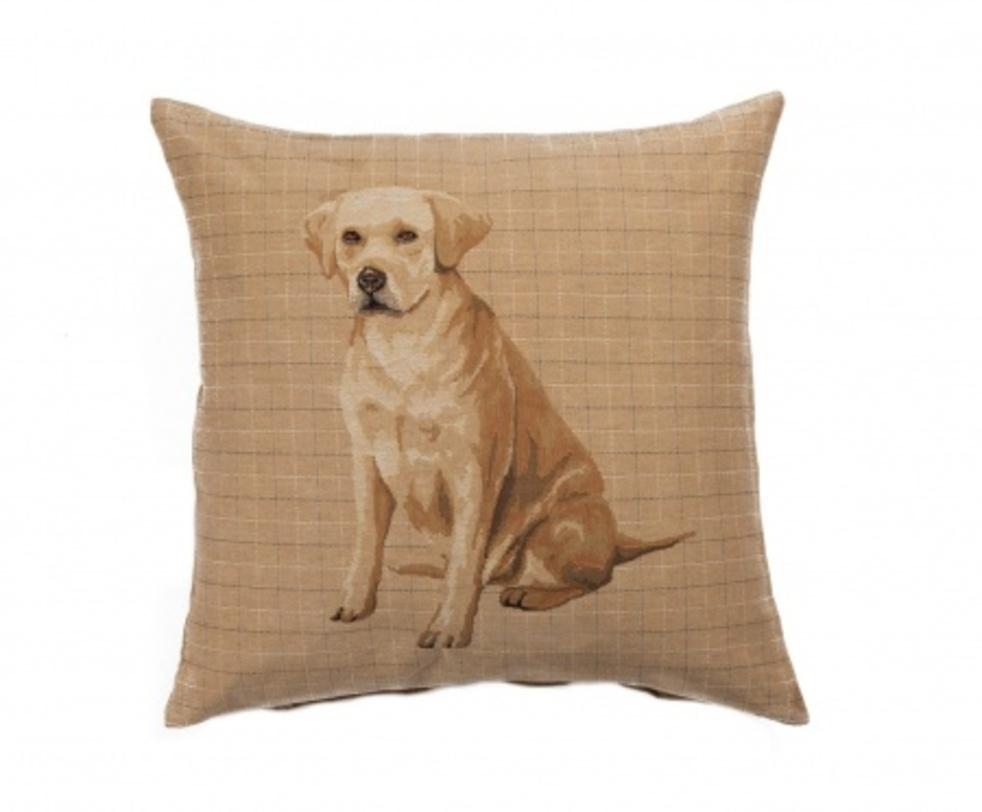 Подушка Breeds LabradorКвадратные подушки<br>Мягкая подушка, жёлтого цвета с принтом Breeds Labrador , и мягким упругим наполнителем, поможет расслабиться и принять удобную позу, а также обеспечит крепкий сон. Вместо мягкой синтетической игрушки, можно подарить подушку с изображением собаки.<br>Материал: Наполнитель - 100% полиэстер, чехол для подушки - 86% хлопок, 8% полиамид, 6% полиэстер.<br><br>Material: Текстиль<br>Length см: 46<br>Width см: 46<br>Depth см: None<br>Height см: 10<br>Diameter см: None